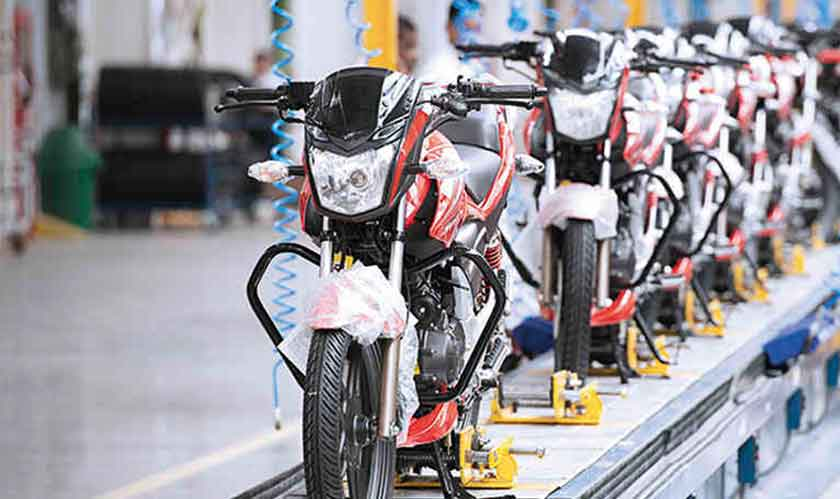 retail two wheeler dispatch fall
